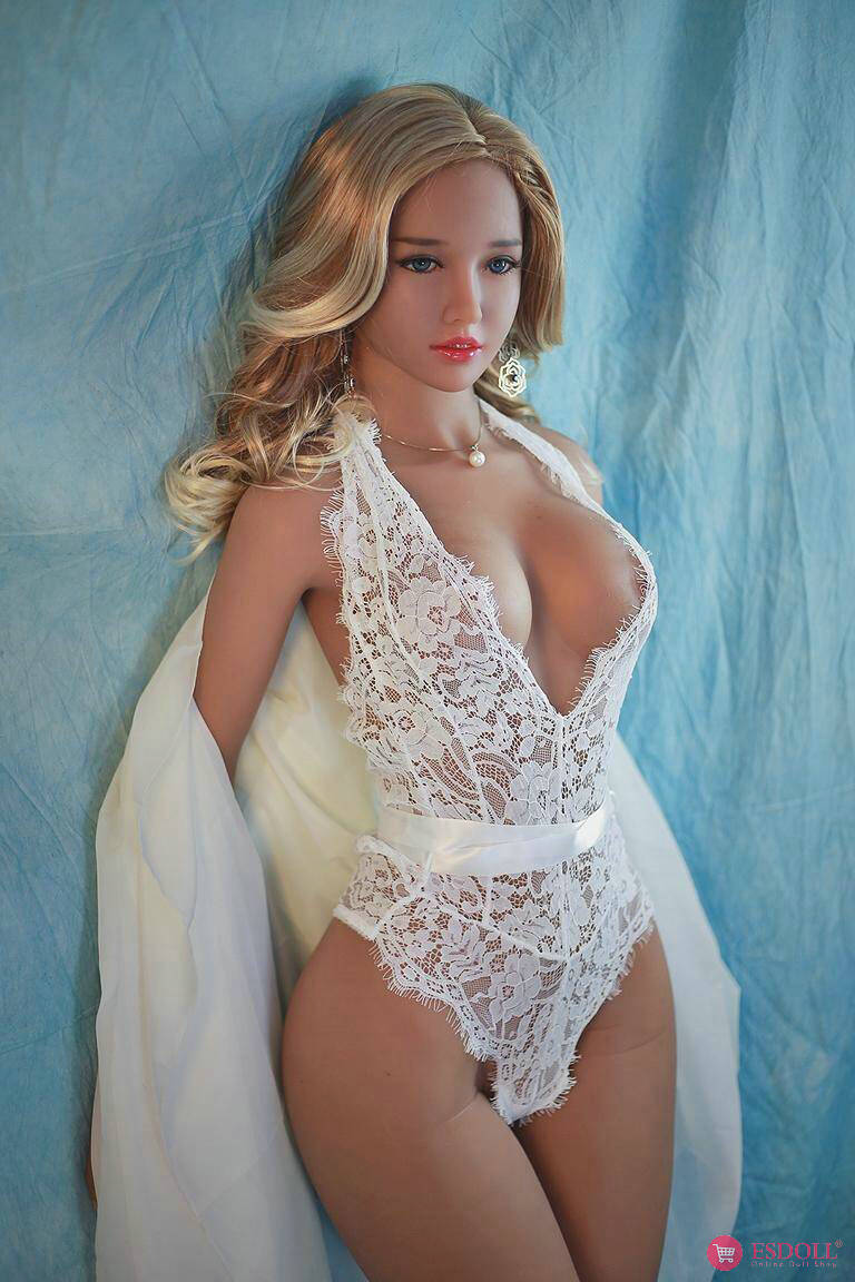 Real sex doll - Laura