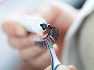 Sex-Doll-Eyelashes-repair-method-3