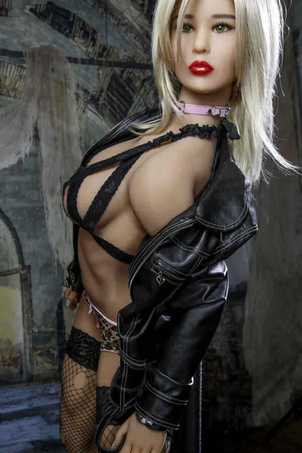 amanda-168cm-powerful-appearance-luxury-silicone-dolls-7
