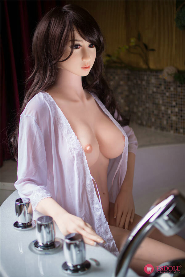 delilah-imitating-realism-real-woman-luxury-sexdoll-4