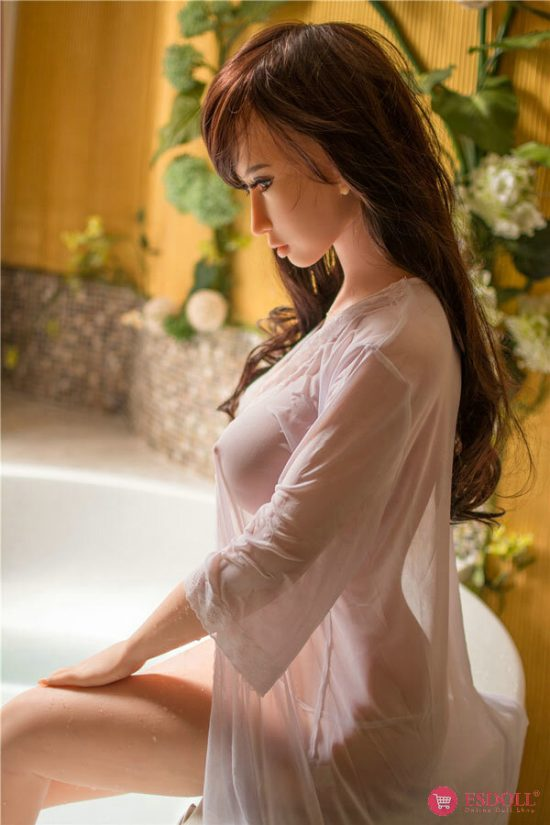 delilah-imitating-realism-real-woman-luxury-sexdoll-6