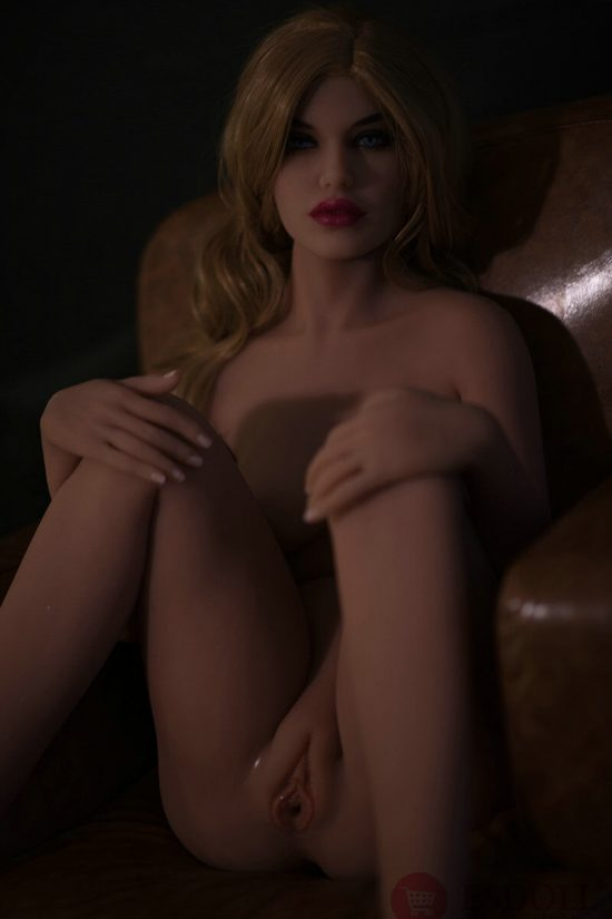 Realistic European Nude Woman Doll 158CM (20)