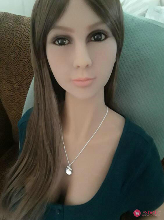 guests-share-photos-of-doll-life-to-esdoll-13