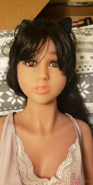 guests-share-photos-of-doll-life-to-esdoll-31