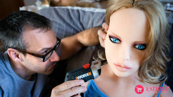 smart-sex-dolls-may-cause-a-population-crisis-1