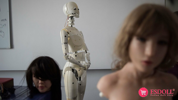 smart-sex-dolls-may-cause-a-population-crisis-2