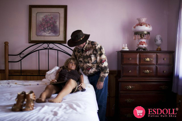 men-who-own-and-collect-sex-dolls