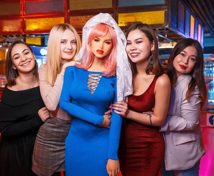 netizens-regularly-hold-sex-doll-sororities-1