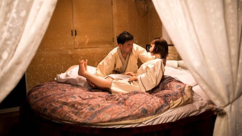 how-japanese-men-fall-in-love-with-sex-dolls-2