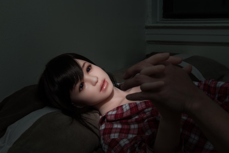 photographer-june-korea-explores-life-with-sex-dolls-1